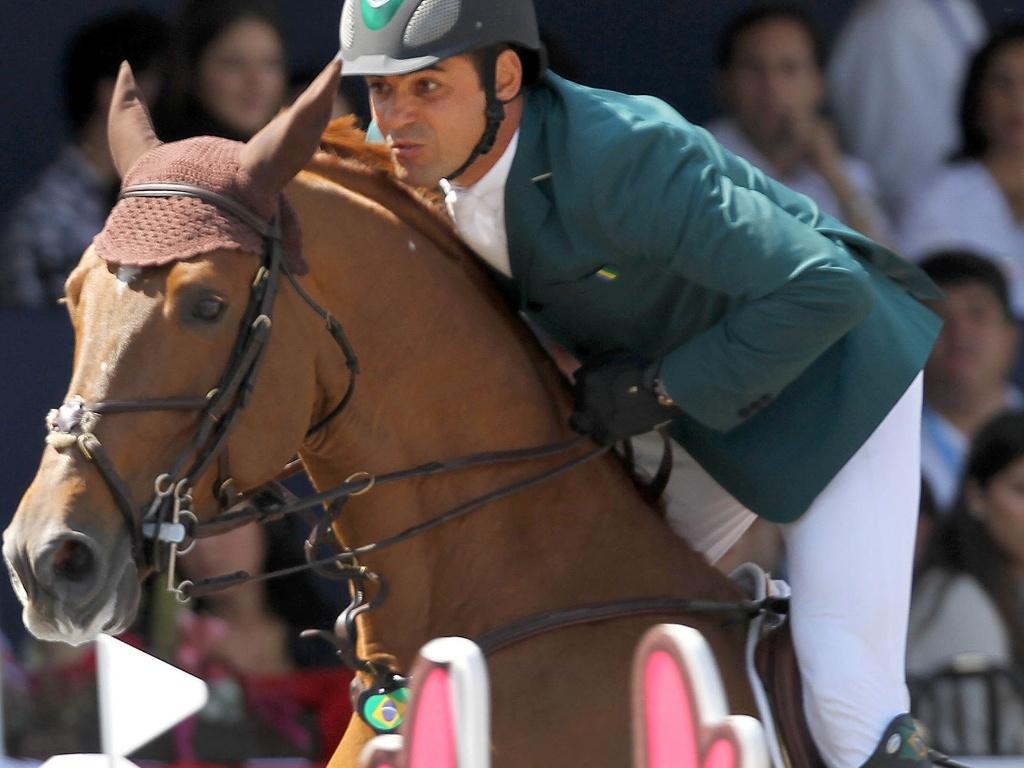 Álvaro Miranda, o Doda, ficou em 17º lugar na primeira passagem dos saltos individuais e, Guadalajara