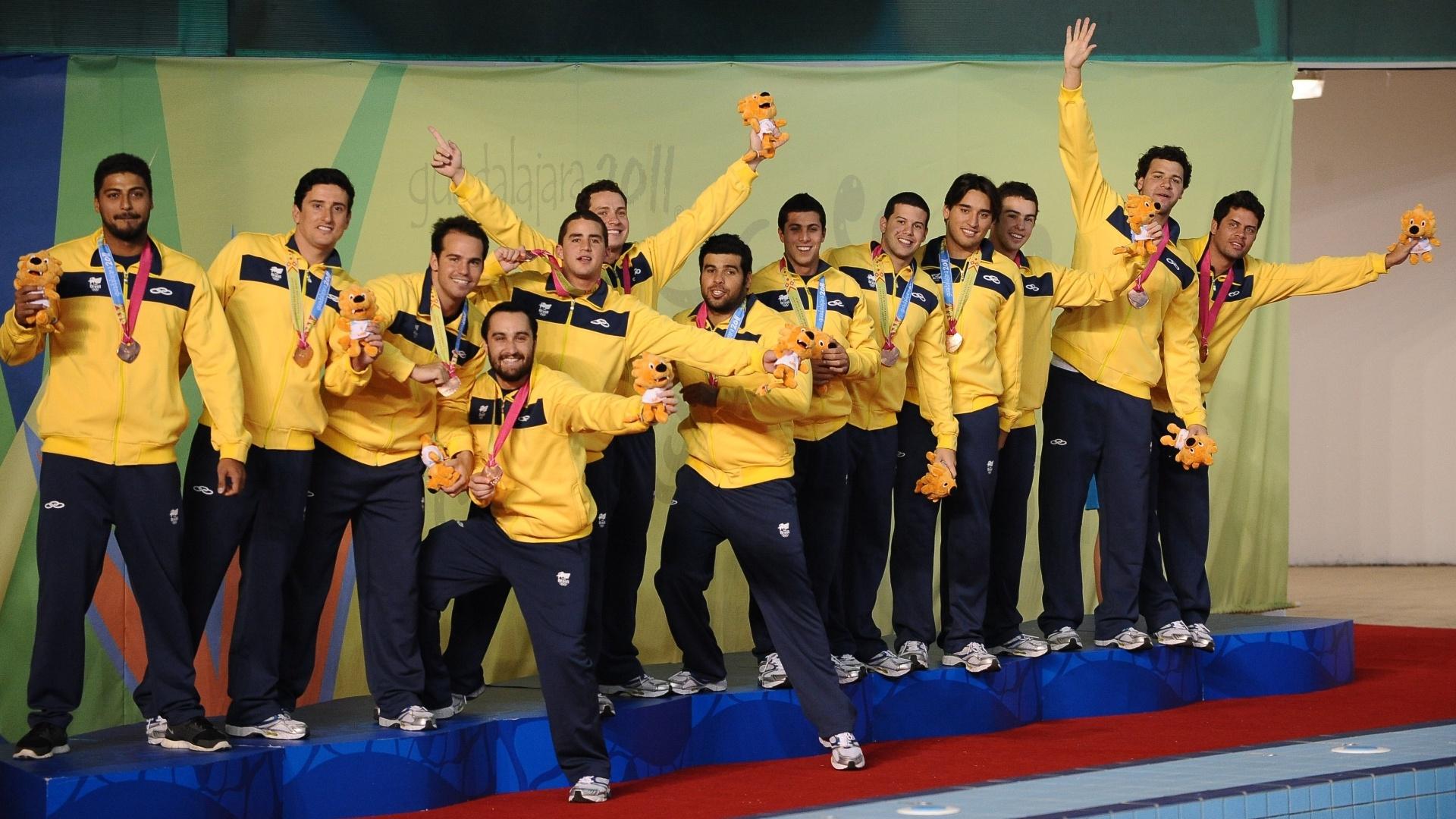 Atletas do polo aquático comemoram a conquista do bronze em Guadalajara