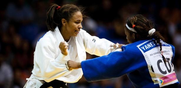 Érika Miranda (de branco) perdeu para Yanet Bermoy e ficou com a medalha de prata