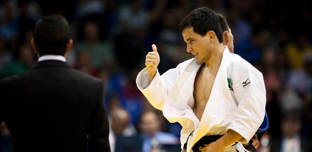 Kitadai conquistou o ouro na categoria até 60kg ao derrotar o mexicano Nabor Castillo