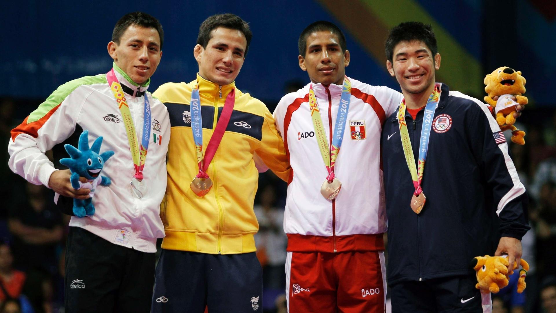 Felipe Kitadai foi medalha de ouro no judô, categoria até 60kg (29/10/2011)