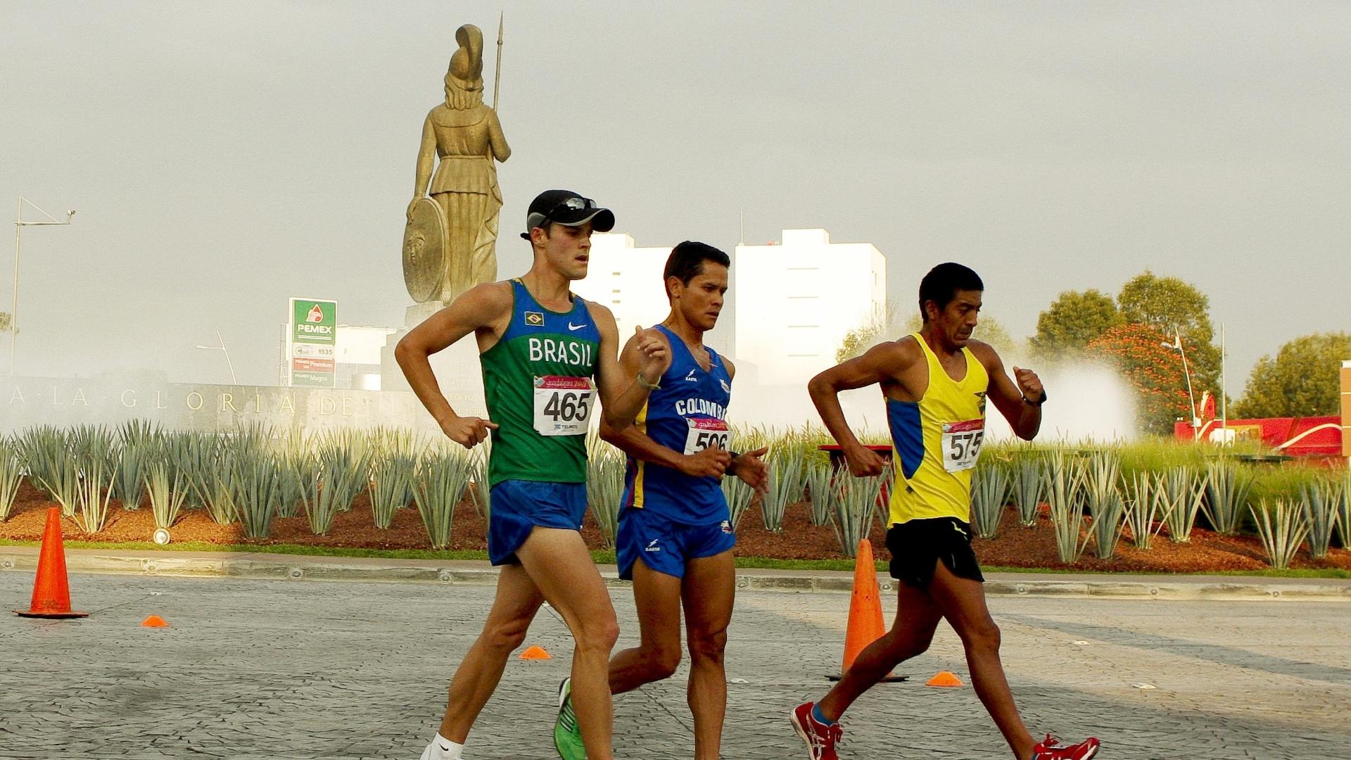 O brasileiro Jonathan Riekmann terminou na quinta colocação nos 50 km da marcha atlética em Guadalajara (29/10/2011)