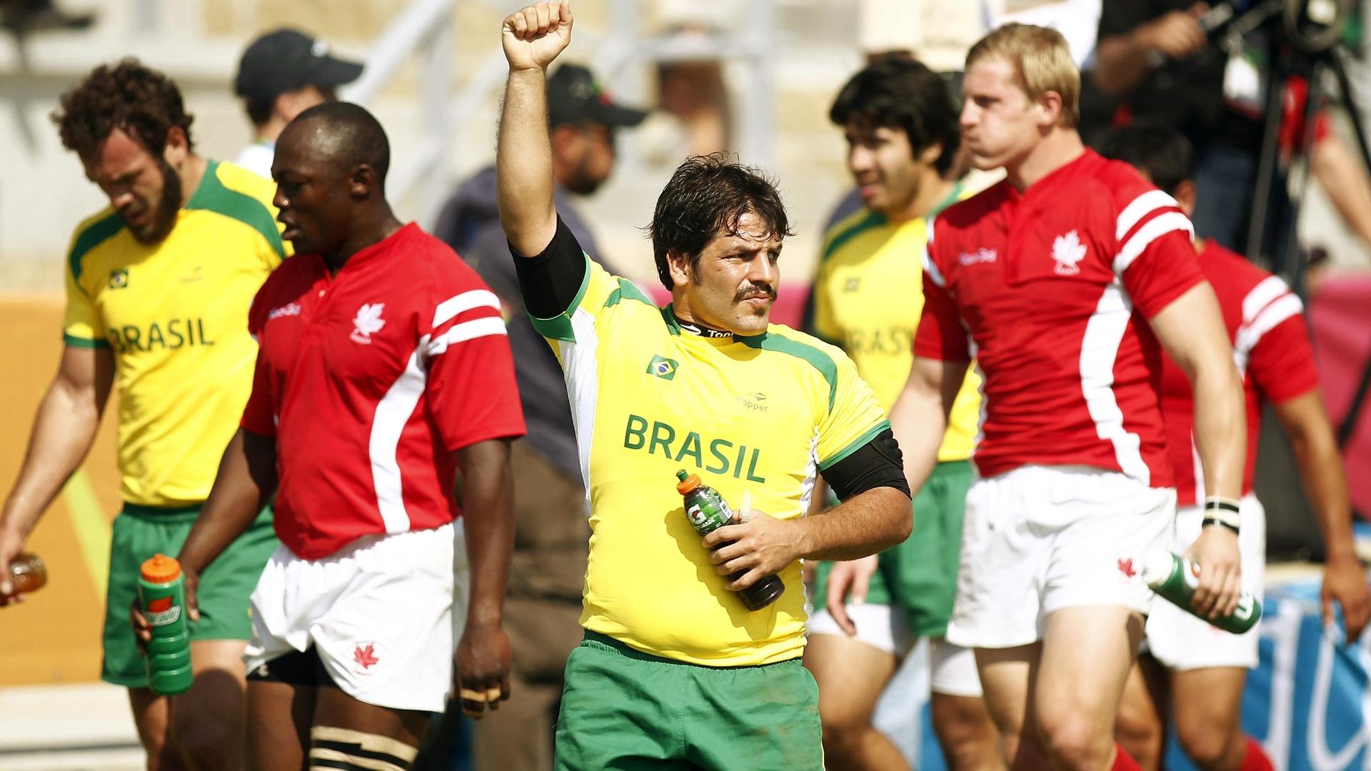 Seleção de rúgbi estreou perdendo de 45 a 0 para o Canadá, mas se recuperou e avançou em terceiro do grupo para a próxima fase (29/10/2011)