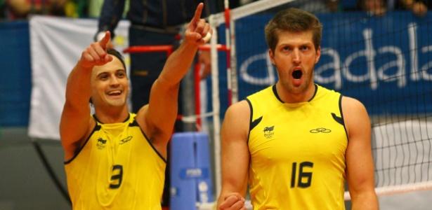 Lipe e Éder comemoram ponto na vitória sobre Cuba, que deu o ouro para o Brasil