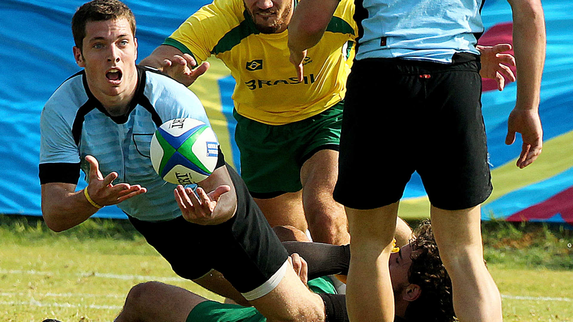 O Brasil perdeu por um try do Uruguai nas quartas de final no rúgbi no Pan (30/10/2011)
