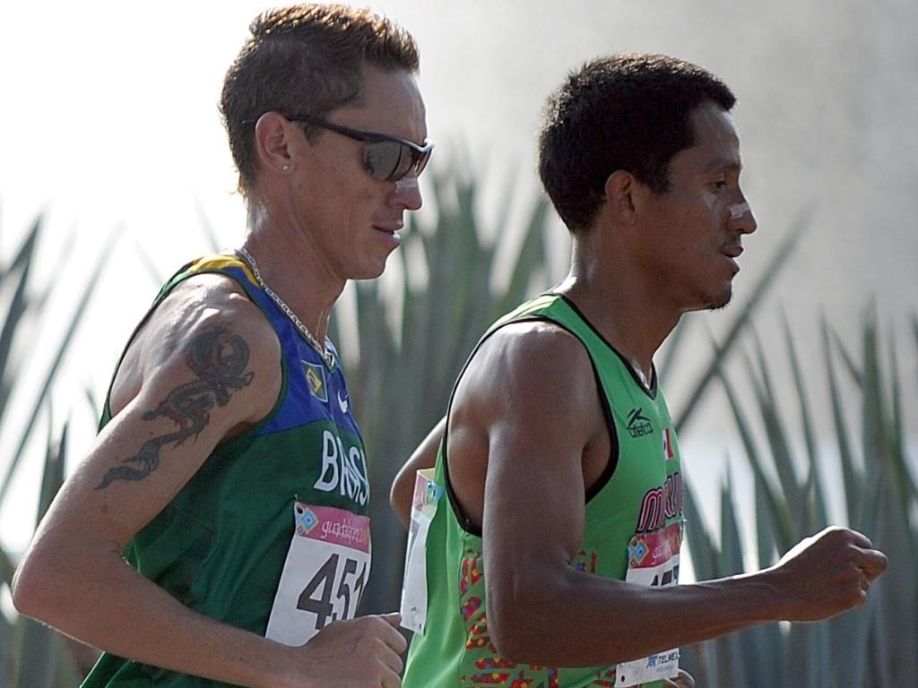 O brasileiro Jean Carlos terminou a maratona na nona colocação (30/10/2011)