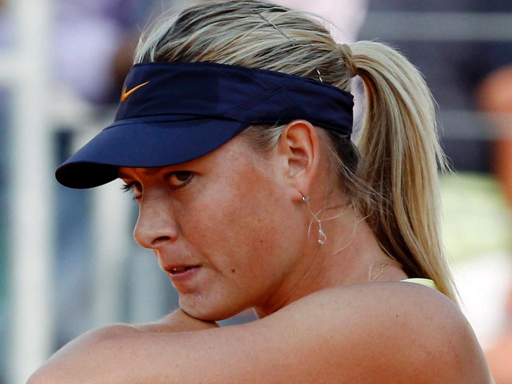 Maria Sharapova vence a partida contra a israelense Shahar Peer e se garante nas quartas de final em Roma (12/05/2011)