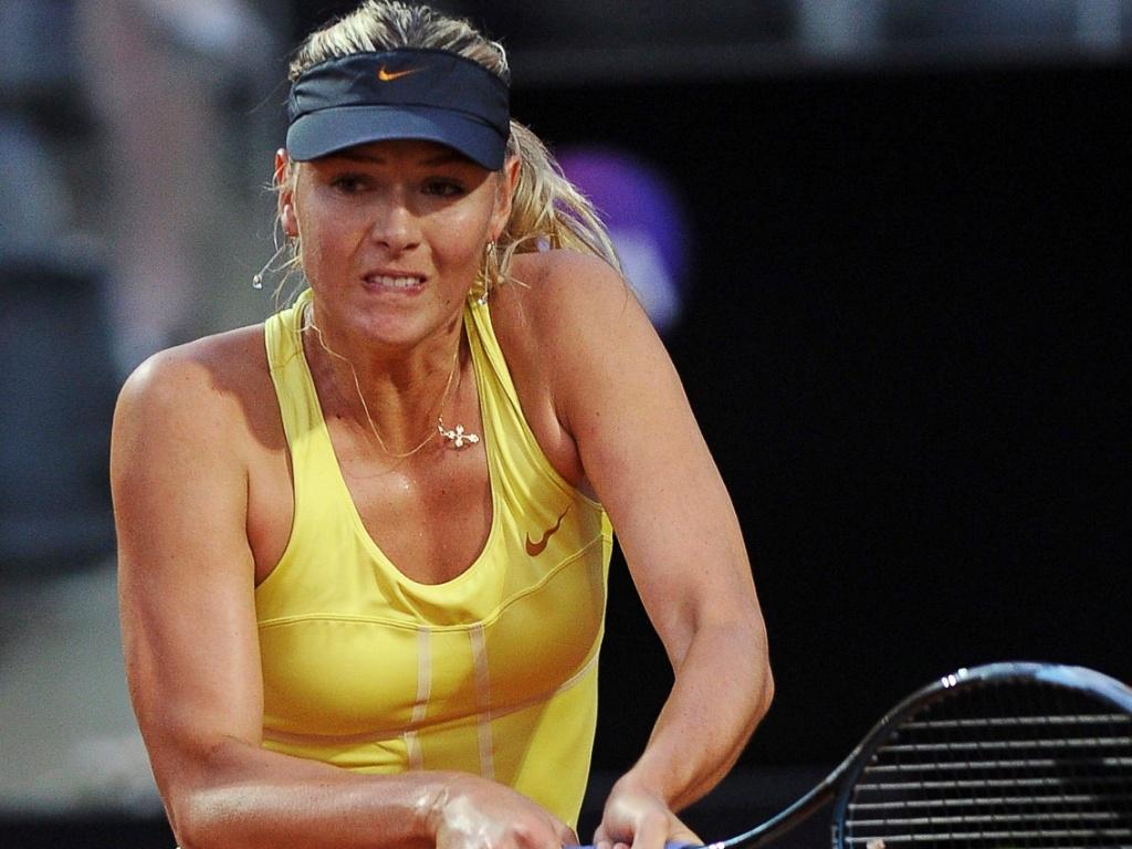 Maria Sharapova conta com abandono de Victoria Azarenka e avança para as semifinais em Roma (13/05/2011)