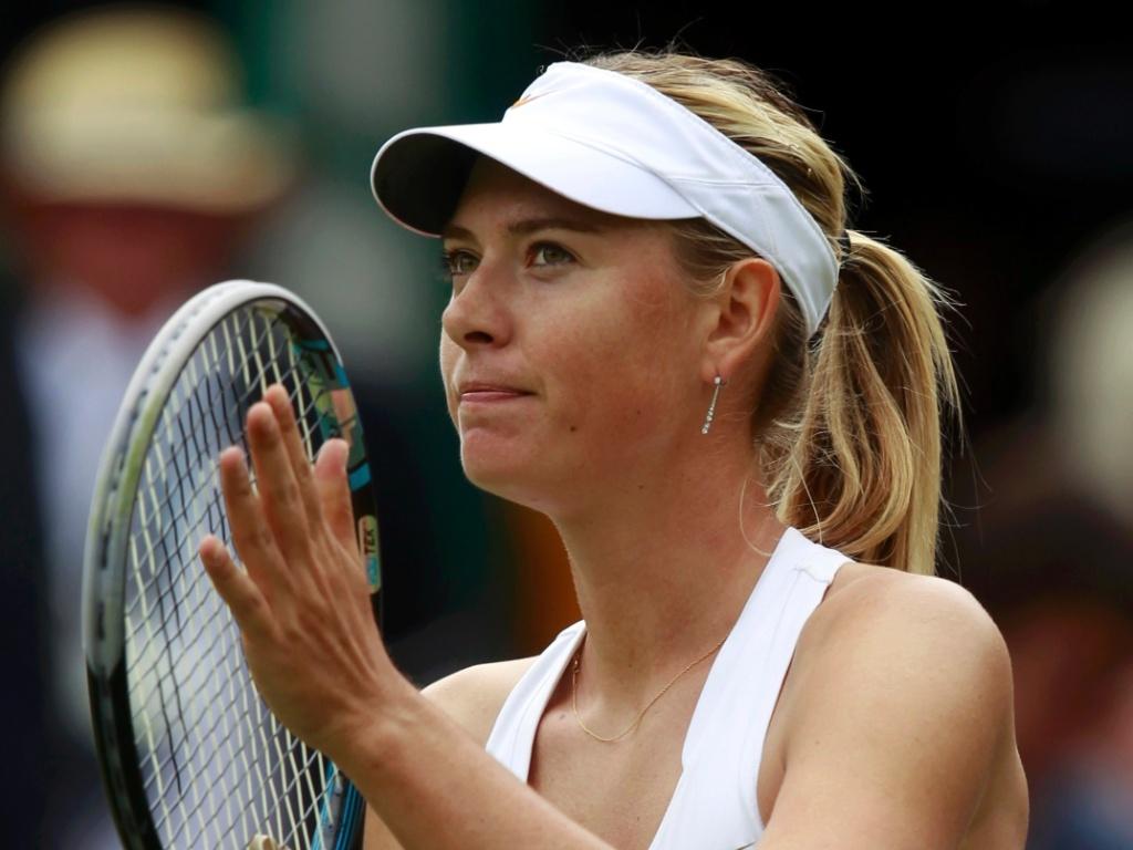 Sharapova agradece público após bater Laura Robson
