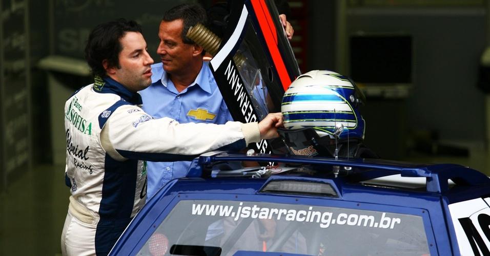 Gustavo Sondermann é fotografado antes de prova da Copa Montana em Interlagos; no mesmo dia, ele sofreu um acidente e morreu (03/04/2011)