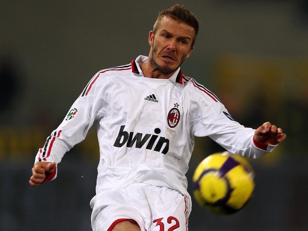 Beckham já teve um discreto moicano também em sua passagem pelo Milan e logo que chegou ao Los Angeles Galaxy