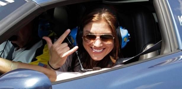 Hope Solo pilota pace car em prova da Nascar em Indianapolis (31/07/2011)