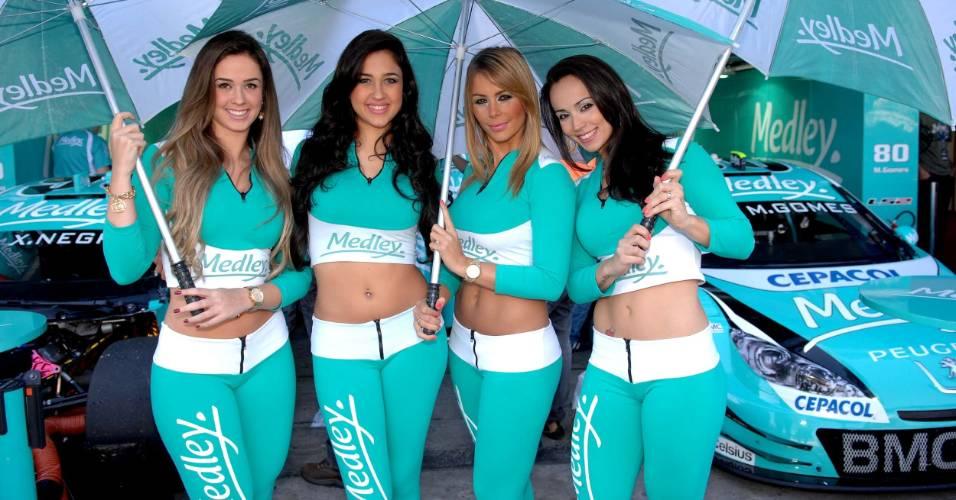 Grid girls roubam a atenção da Corrida do Milhão nos boxes de Interlagos (07/08/2011)