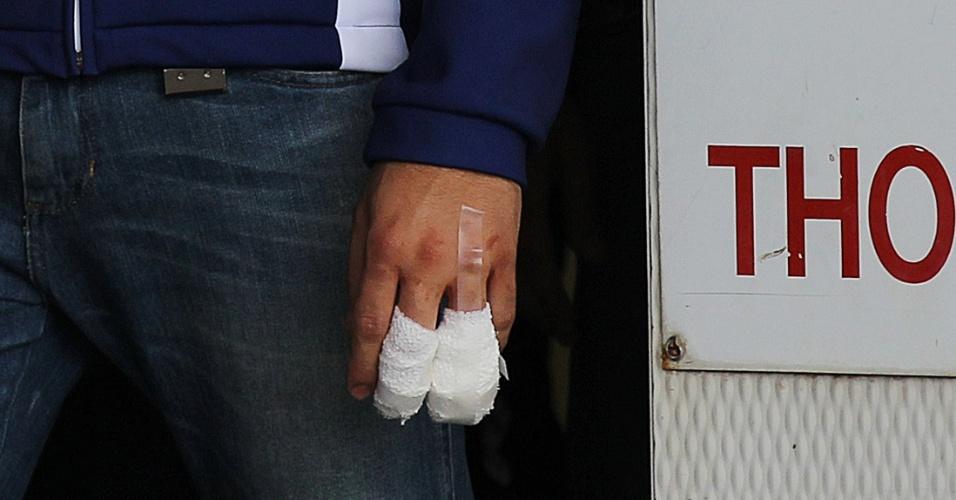 Jorge Lorenzo decepou parte do dedo após sofrer acidente durante aquecimento para o GP da Austrália de MotoGp (16/10/2011)