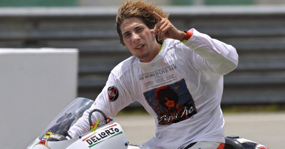 Italiano Marco Simoncelli, no GP da Malásia, em 19 de outubro de 2008; piloto morreu em acidente no GP da Malásia dia 23 de outubro de 2011