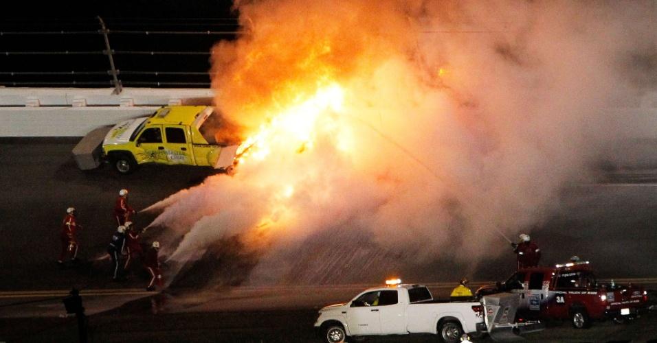 Juan Pablo Montoya sofreu grave acidente em prova da Nascar em Daytona (27/02/2011)