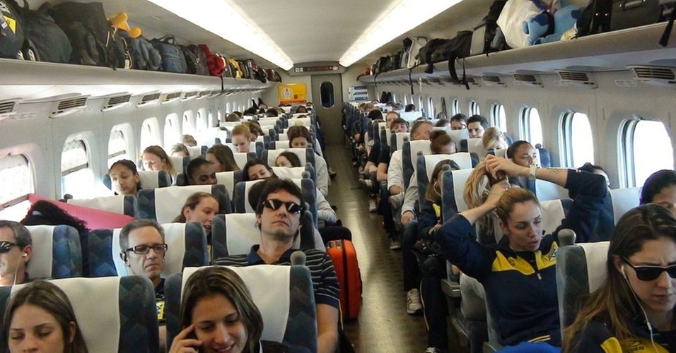 Seleção brasileira viaja de trem bala de Nagoya para Tóquio