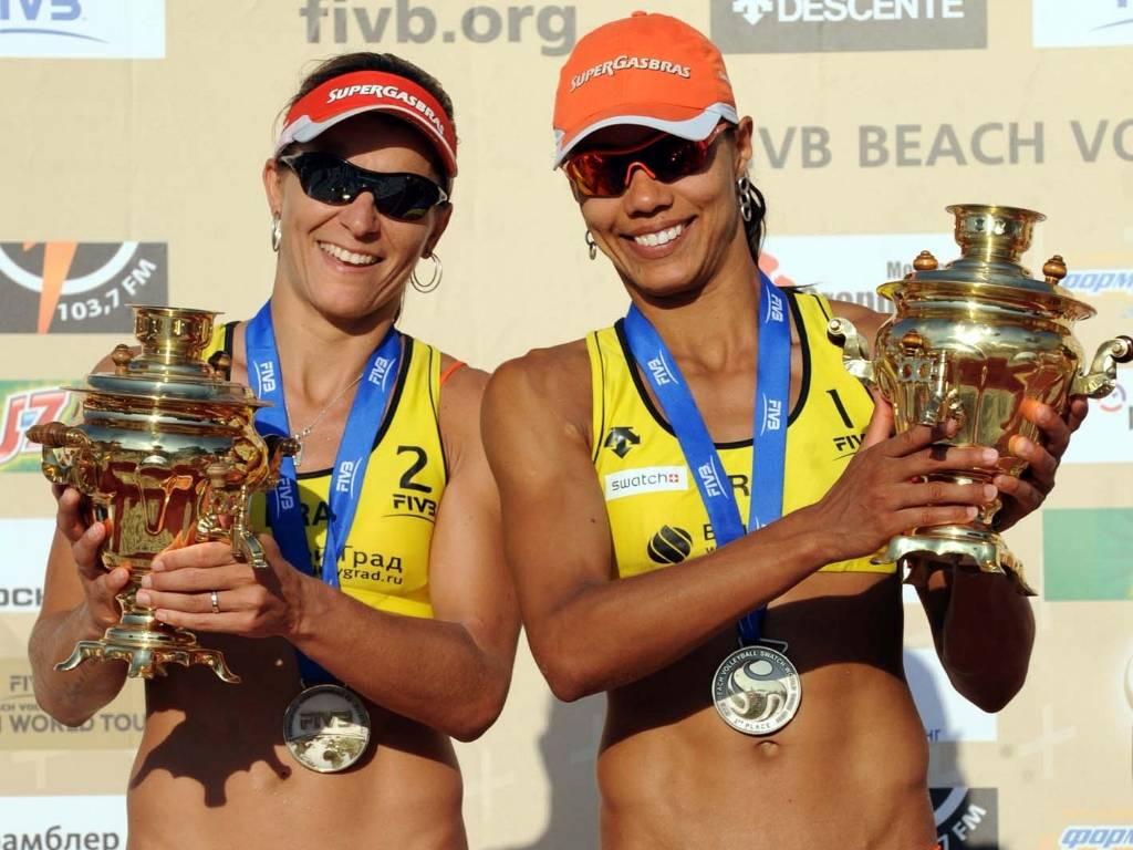 Juliana e Larissa foram vice-campeãs na etapa da Rússia do Circuito Mundial (16/07/2011)