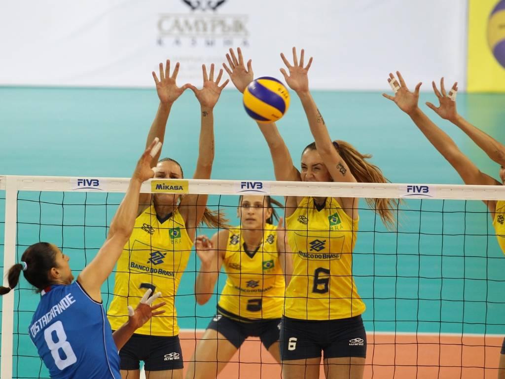 Brasil vence Itália por 3 a 1 e segue invicto no Grand Prix (14/08/2011)