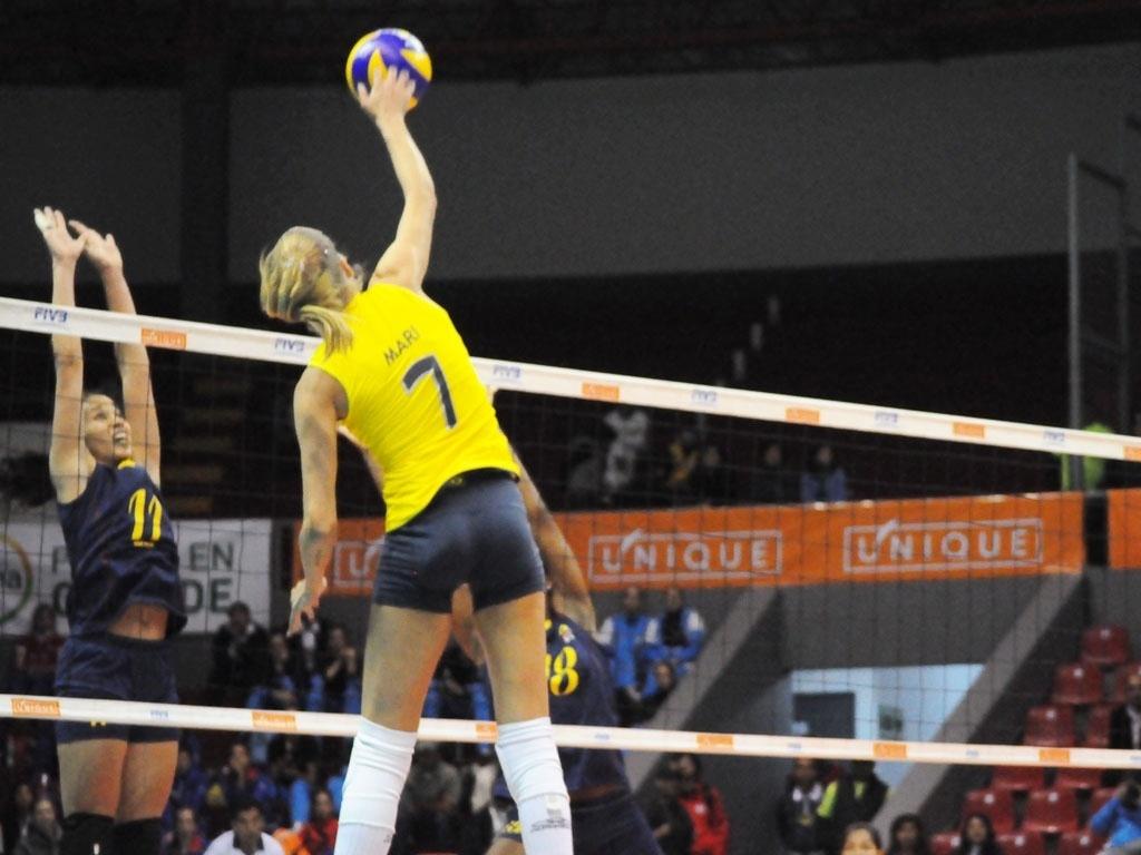 Mari solta o braço para superar o bloqueio colombiano na semifinal do Sul-Americano