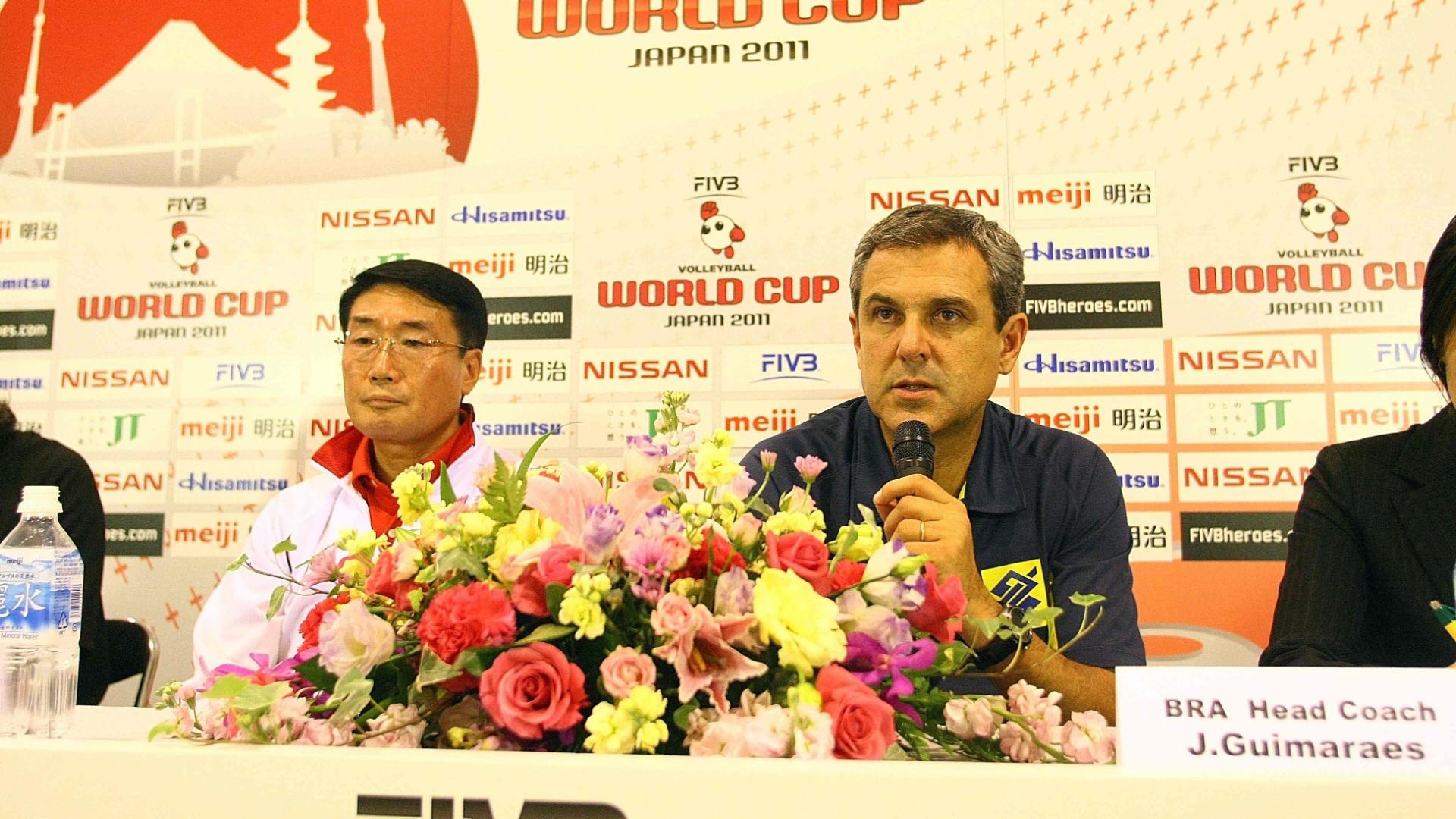 José Roberto Guimarães durante entrevista coletiva após vitória sobre a Coreia do Sul (08/11/2011)